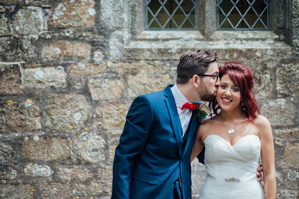 liberty-pearl-photography-cornwall-wedding-porthleven-wedding-red-and-blue-wedding-colour-palette-14