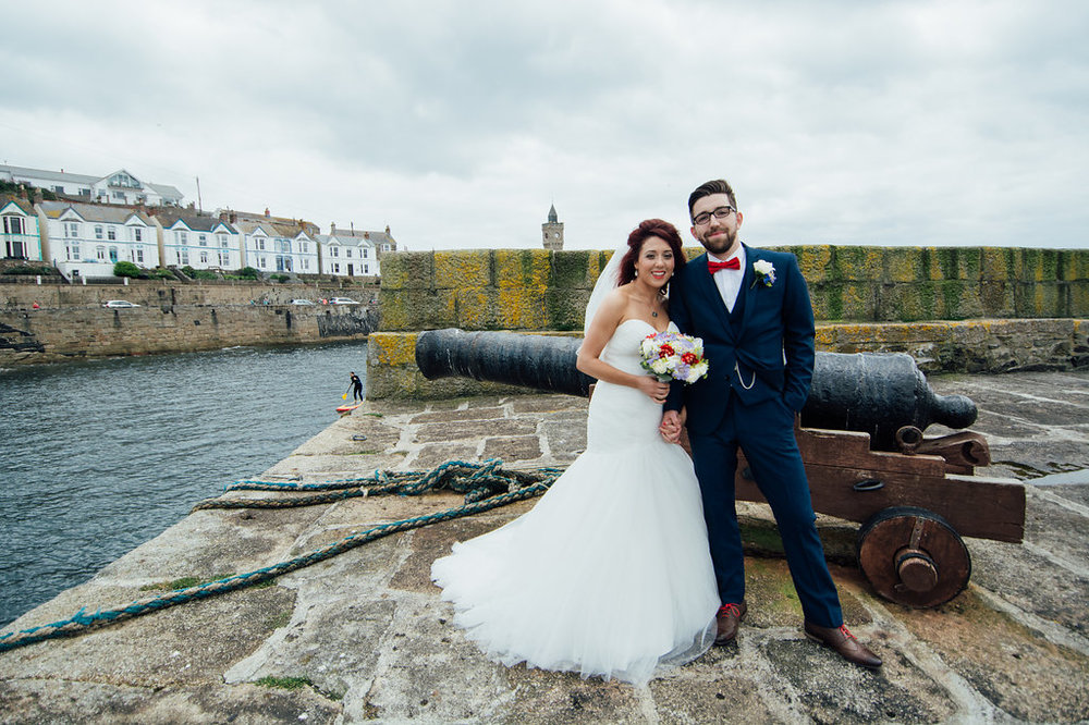 liberty-pearl-photography-cornwall-wedding-porthleven-wedding-red-and-blue-wedding-colour-palette-22