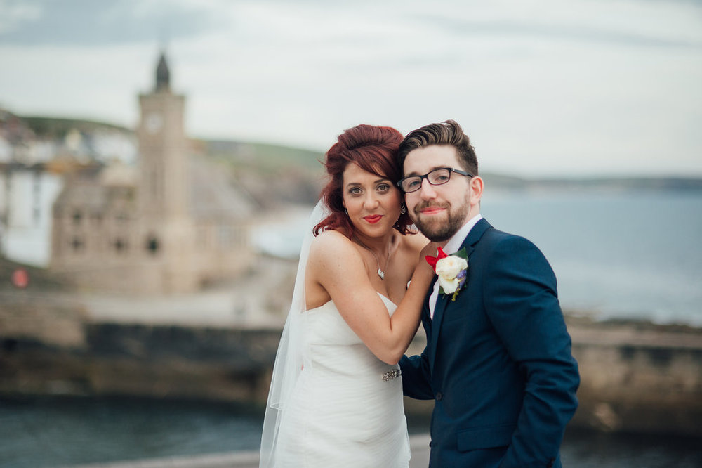 liberty-pearl-photography-cornwall-wedding-porthleven-wedding-red-and-blue-wedding-colour-palette-29