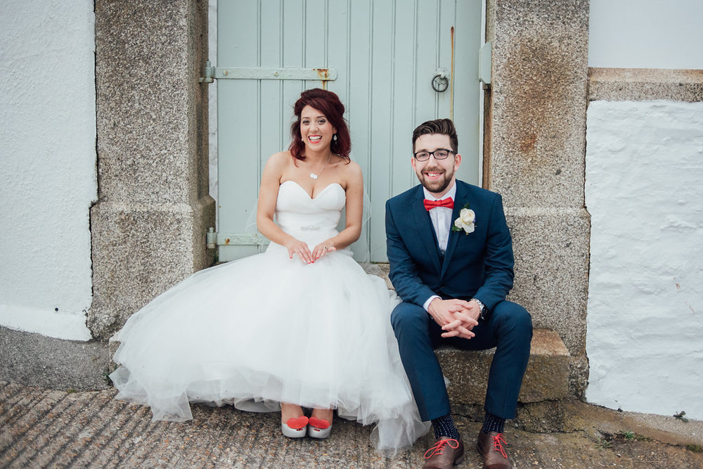 liberty-pearl-photography-cornwall-wedding-porthleven-wedding-red-and-blue-wedding-colour-palette-32