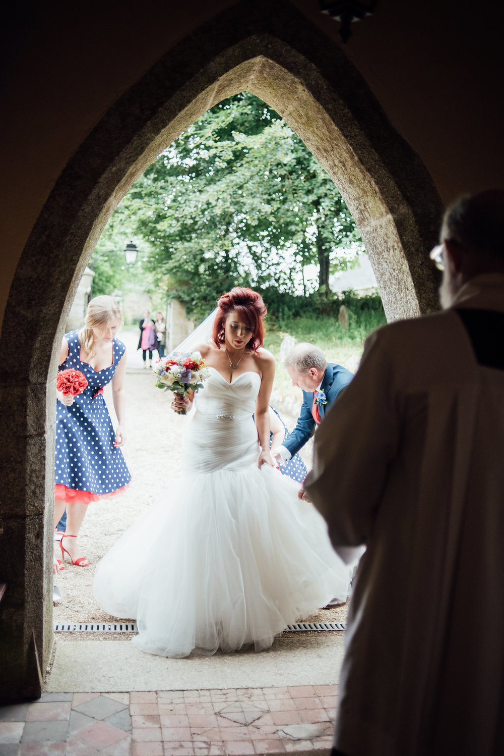 liberty-pearl-photography-cornwall-wedding-porthleven-wedding-red-and-blue-wedding-colour-palette-56