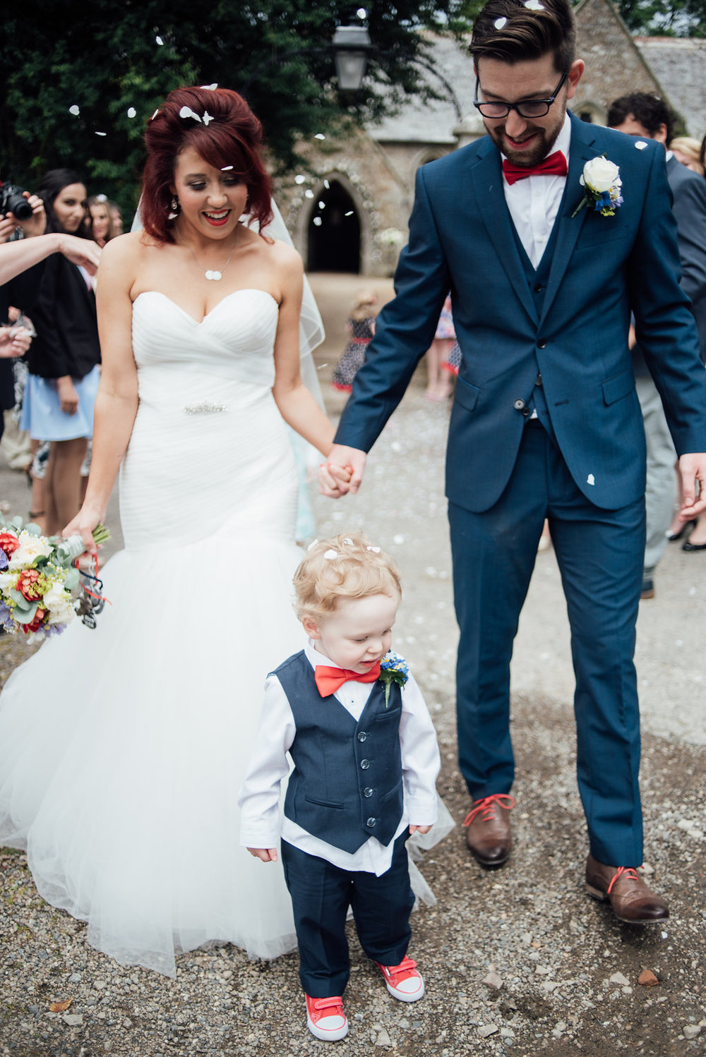 liberty-pearl-photography-cornwall-wedding-porthleven-wedding-red-and-blue-wedding-colour-palette-67