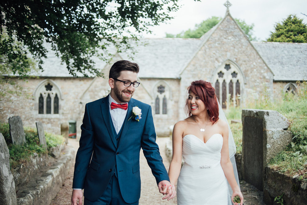 liberty-pearl-photography-cornwall-wedding-porthleven-wedding-red-and-blue-wedding-colour-palette-68