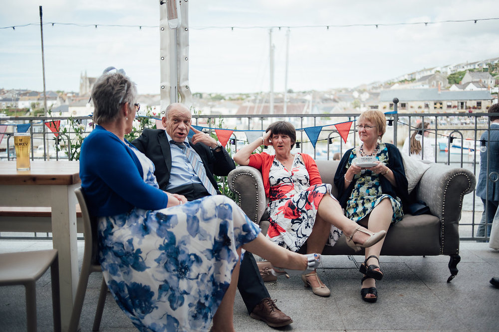 liberty-pearl-photography-cornwall-wedding-porthleven-wedding-red-and-blue-wedding-colour-palette-89