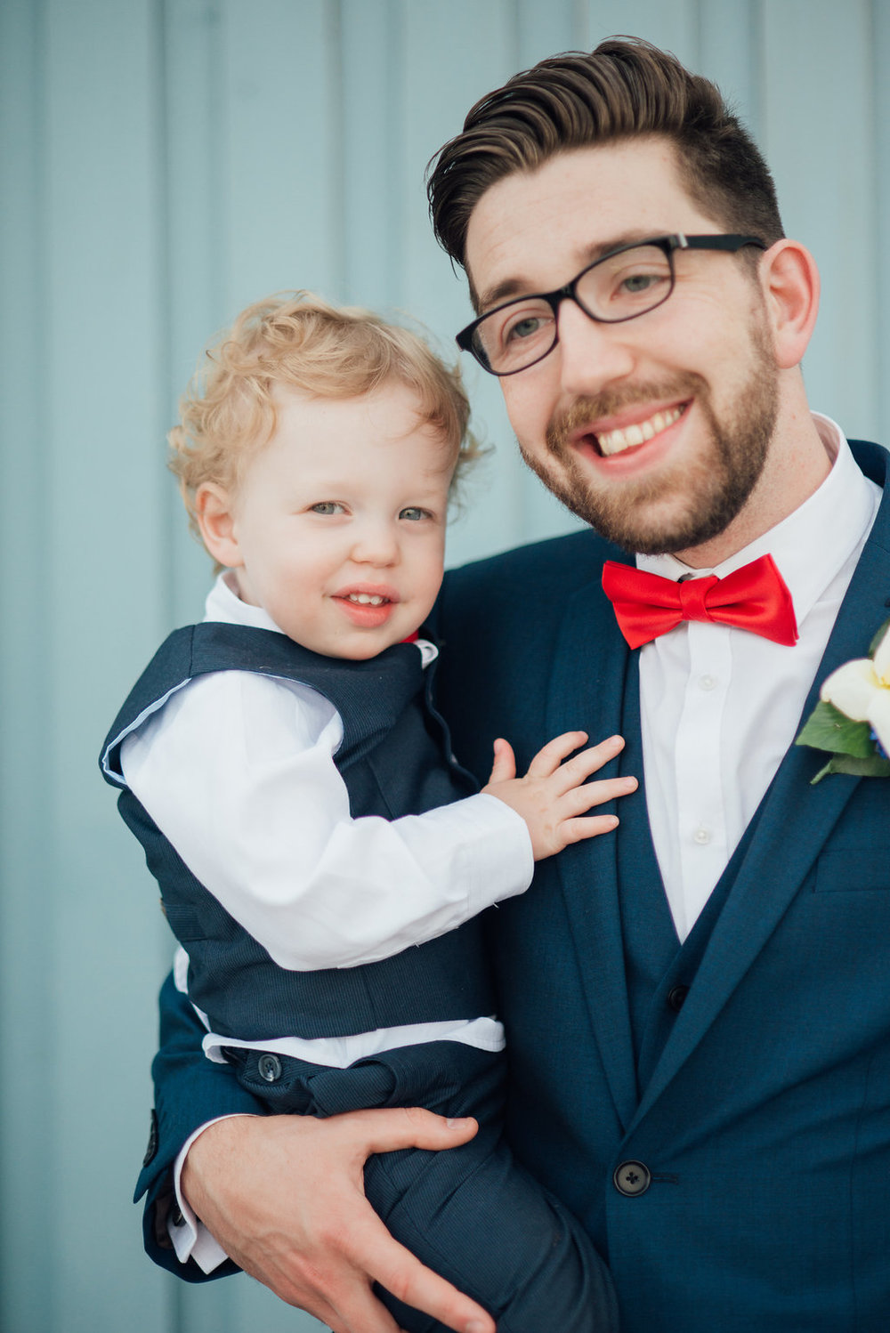 liberty-pearl-photography-cornwall-wedding-porthleven-wedding-red-and-blue-wedding-colour-palette-94