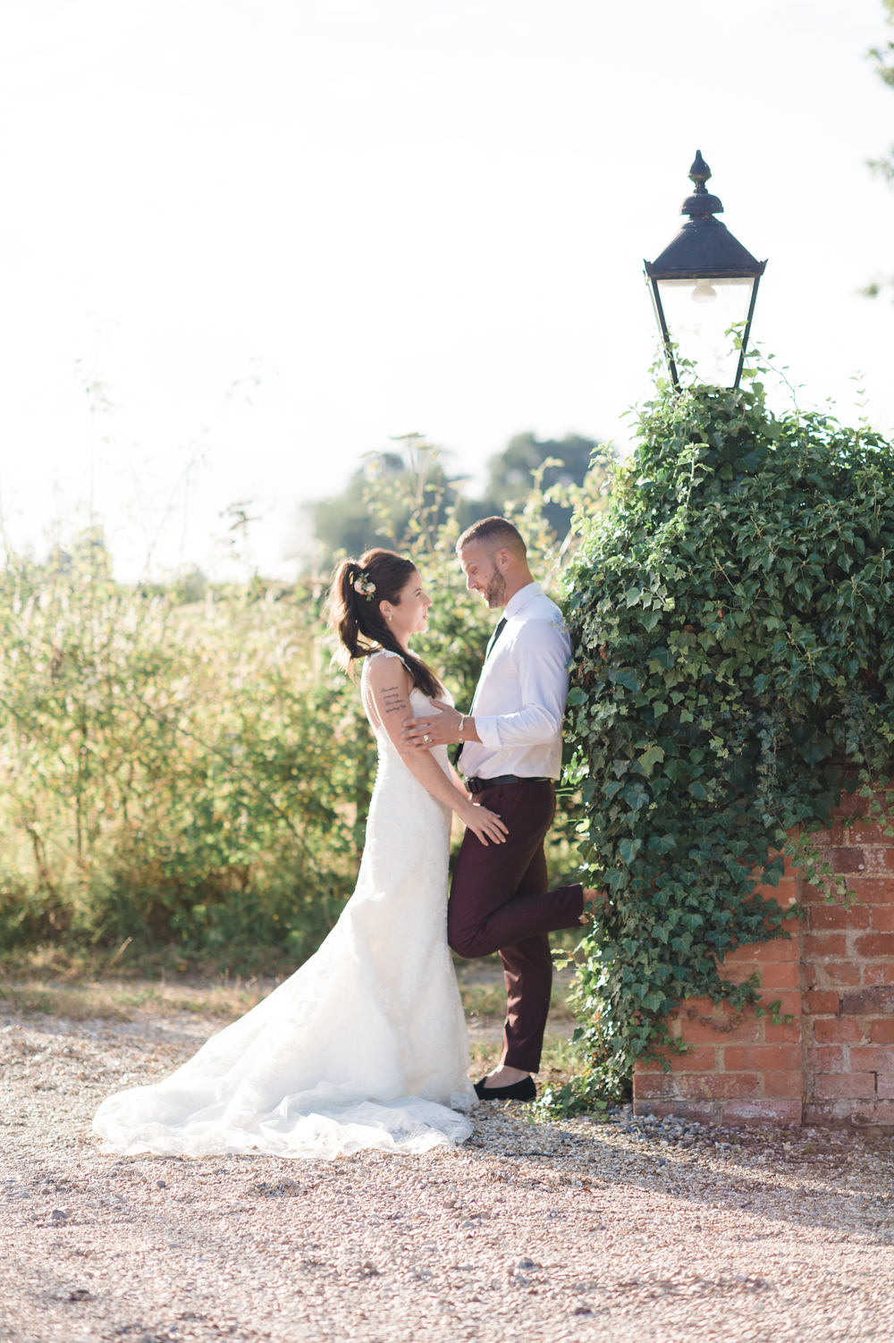 hannah-mcclune-photography-mill-house-hotel-swallowfield-rustic-wedding-burgundy-and-peach-wedding-102