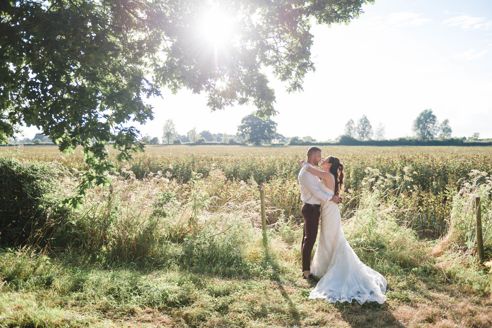 hannah-mcclune-photography-mill-house-hotel-swallowfield-rustic-wedding-burgundy-and-peach-wedding-105