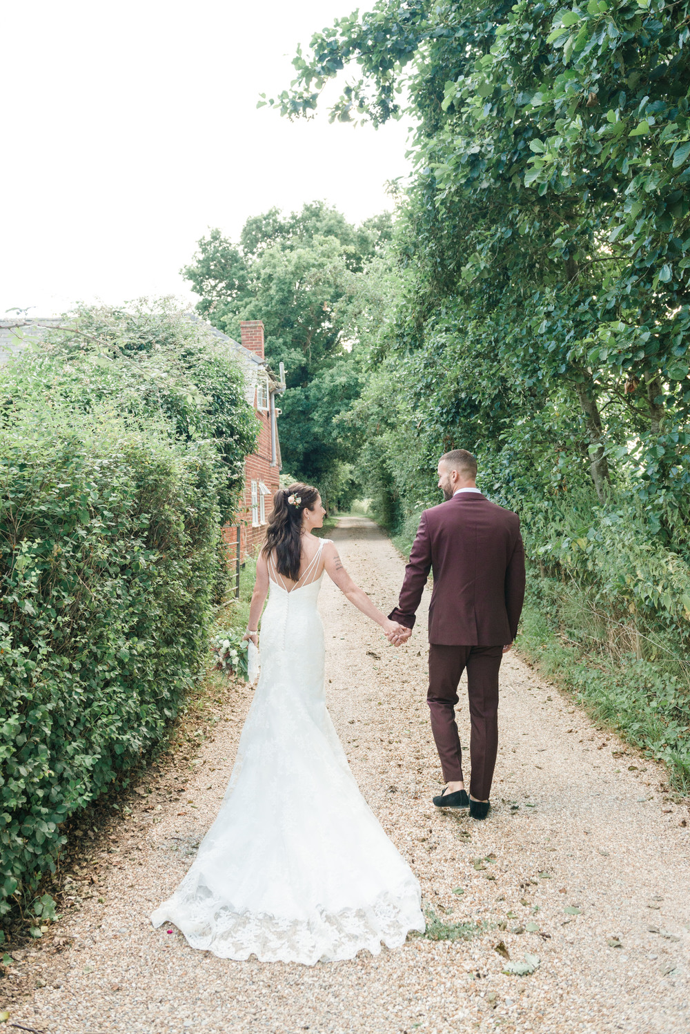 hannah-mcclune-photography-mill-house-hotel-swallowfield-rustic-wedding-burgundy-and-peach-wedding-41