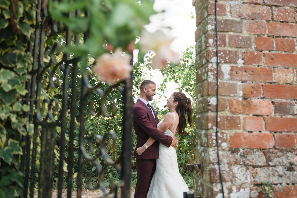 hannah-mcclune-photography-mill-house-hotel-swallowfield-rustic-wedding-burgundy-and-peach-wedding-45