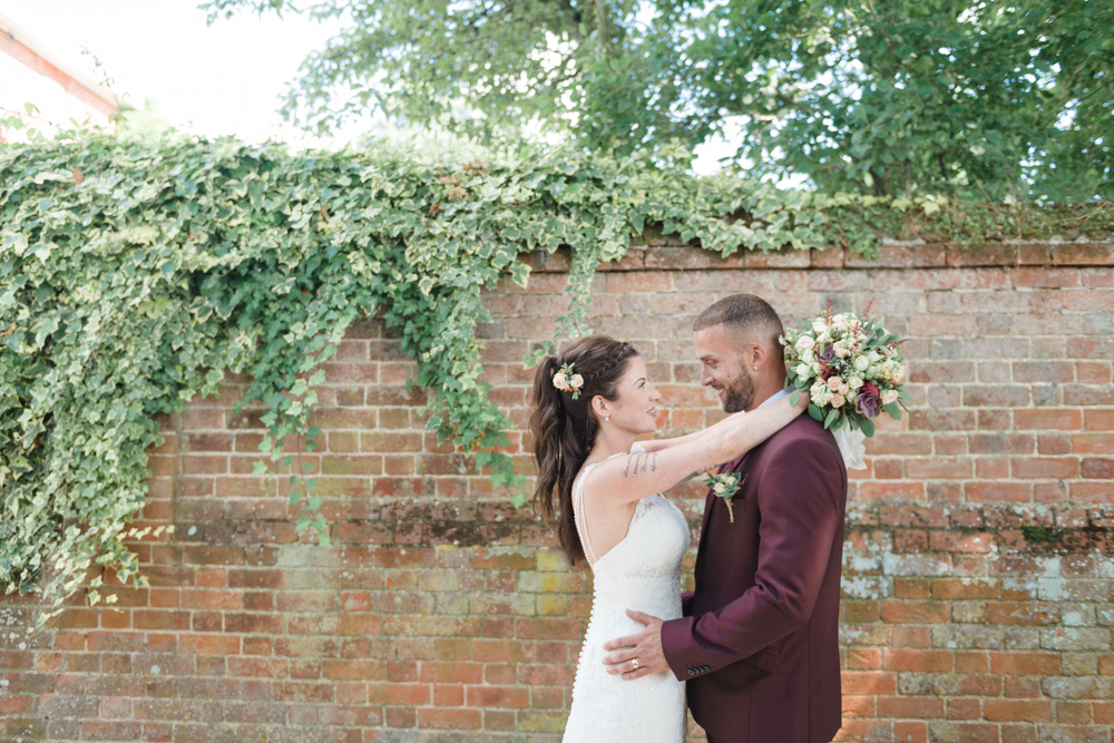 hannah-mcclune-photography-mill-house-hotel-swallowfield-rustic-wedding-burgundy-and-peach-wedding-48
