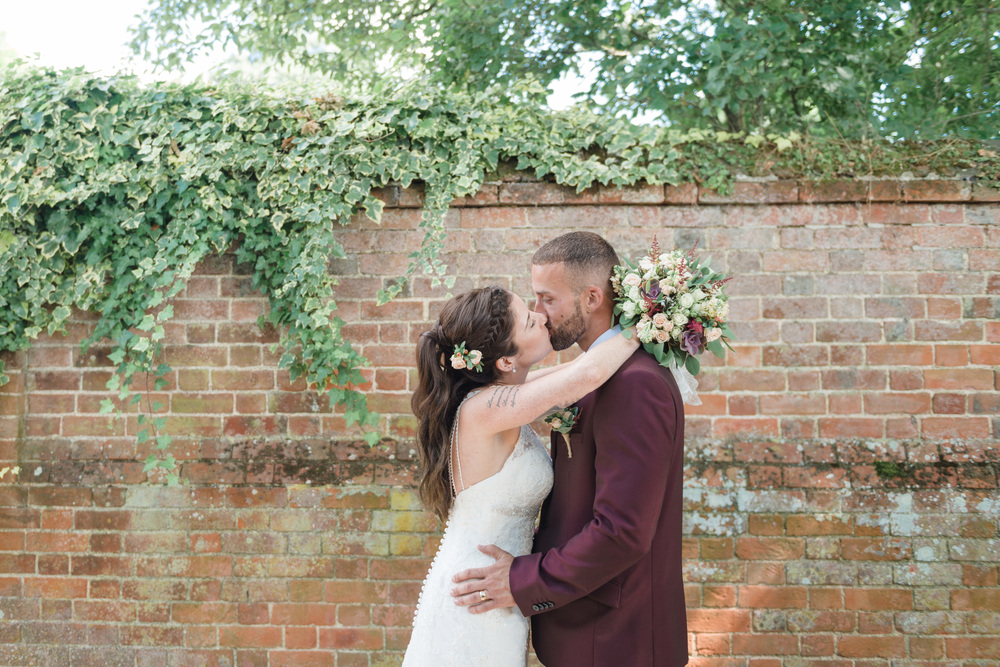 hannah-mcclune-photography-mill-house-hotel-swallowfield-rustic-wedding-burgundy-and-peach-wedding-49