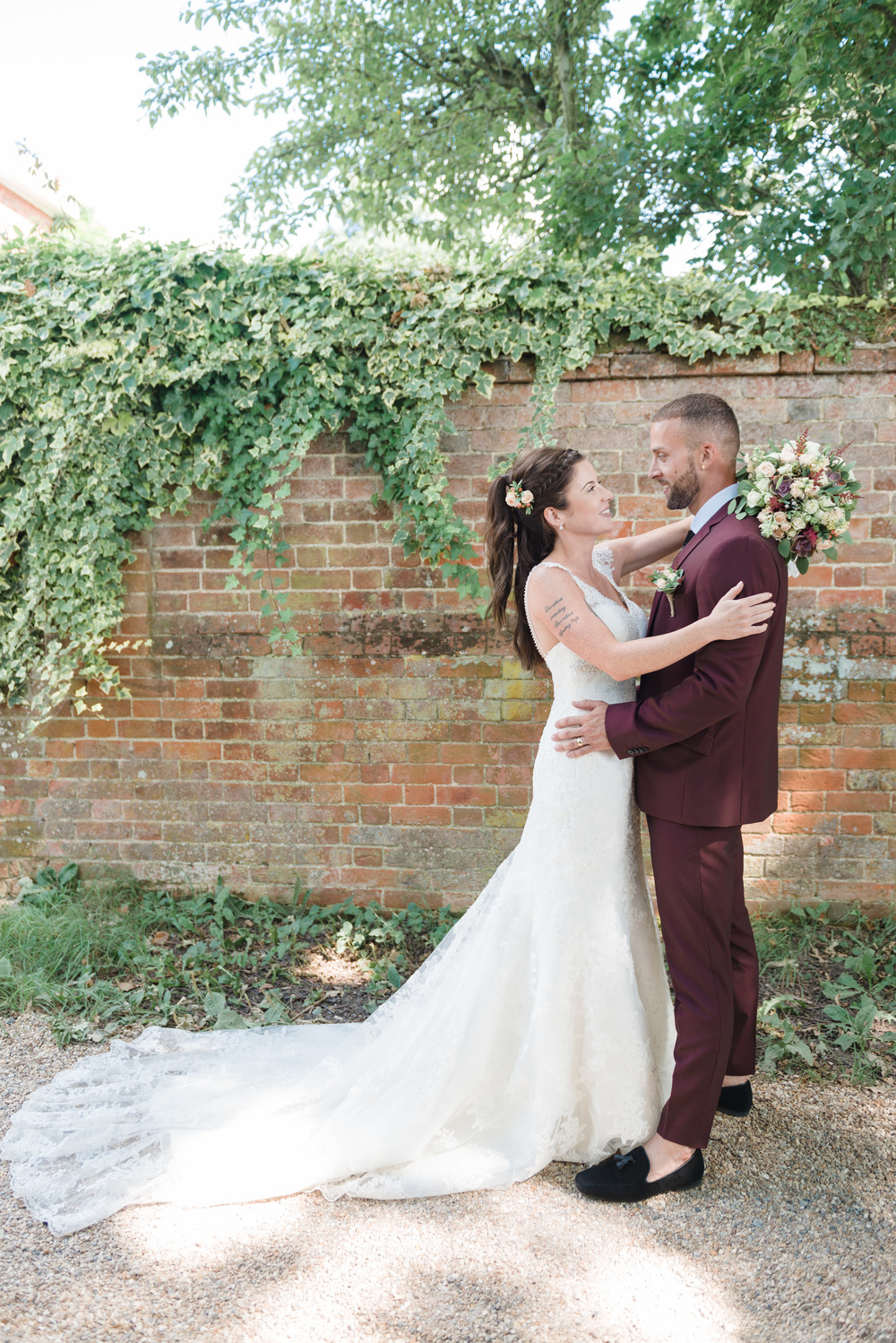 hannah-mcclune-photography-mill-house-hotel-swallowfield-rustic-wedding-burgundy-and-peach-wedding-50