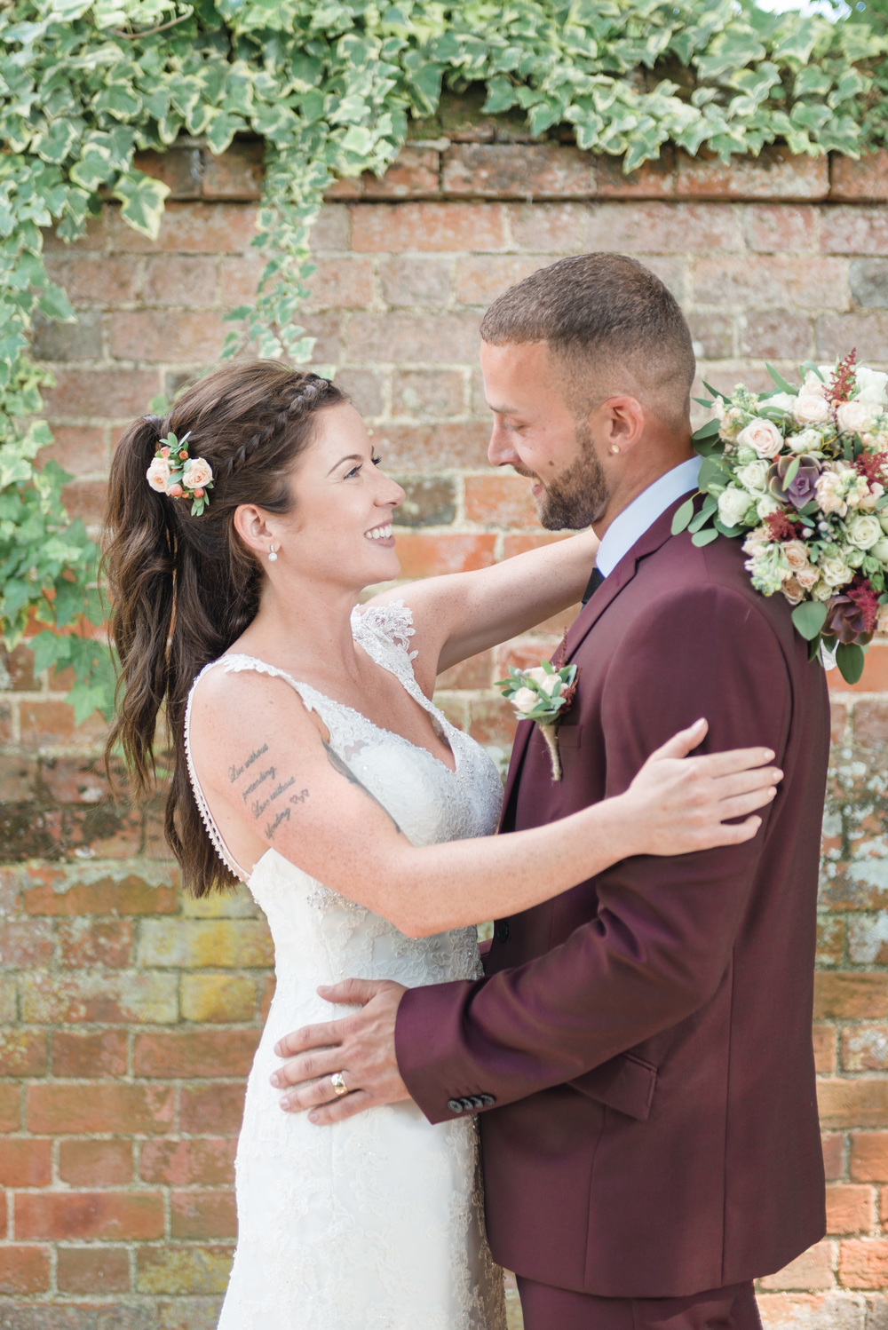 hannah-mcclune-photography-mill-house-hotel-swallowfield-rustic-wedding-burgundy-and-peach-wedding-51