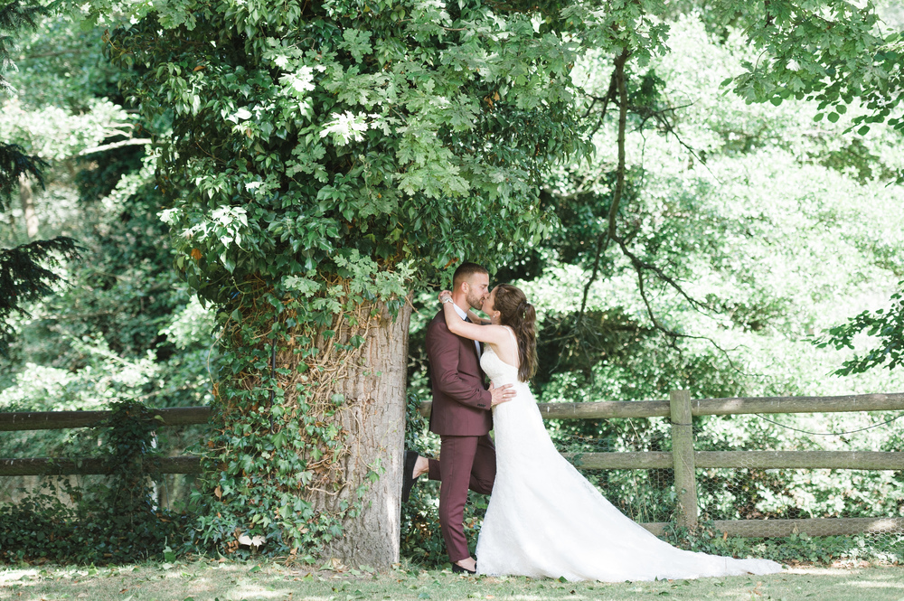 hannah-mcclune-photography-mill-house-hotel-swallowfield-rustic-wedding-burgundy-and-peach-wedding-56