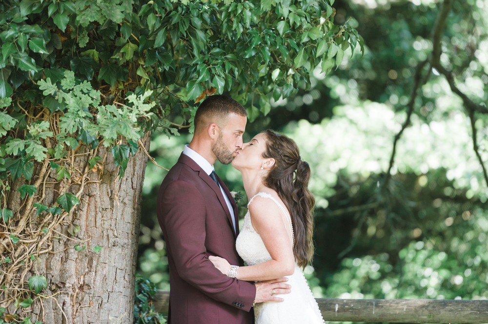 hannah-mcclune-photography-mill-house-hotel-swallowfield-rustic-wedding-burgundy-and-peach-wedding-57