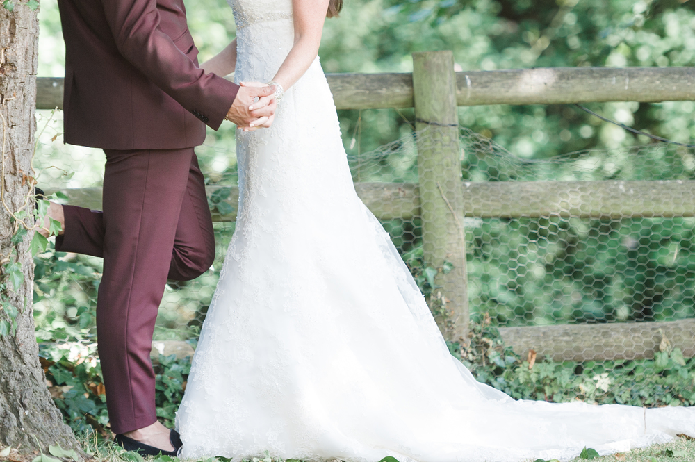 hannah-mcclune-photography-mill-house-hotel-swallowfield-rustic-wedding-burgundy-and-peach-wedding-58