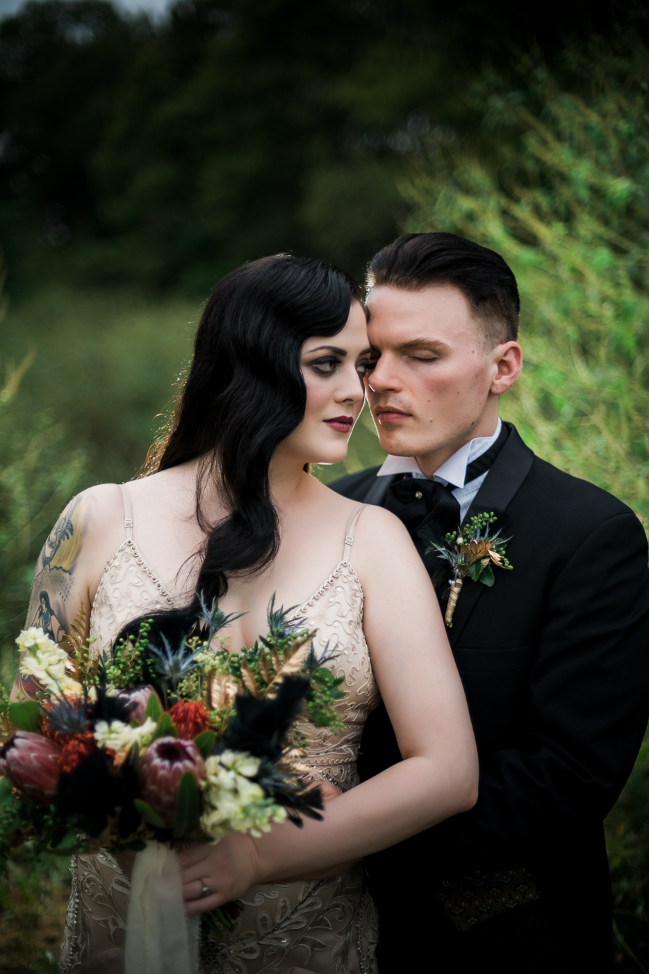 and-how-imaging-gothic-inspired-styled-shoot-gothic-wedding-1920s-theme-wedding-1920s-inspired-styled-shoot-halloween-styled-shoot-gothic-inspired-wedding-45