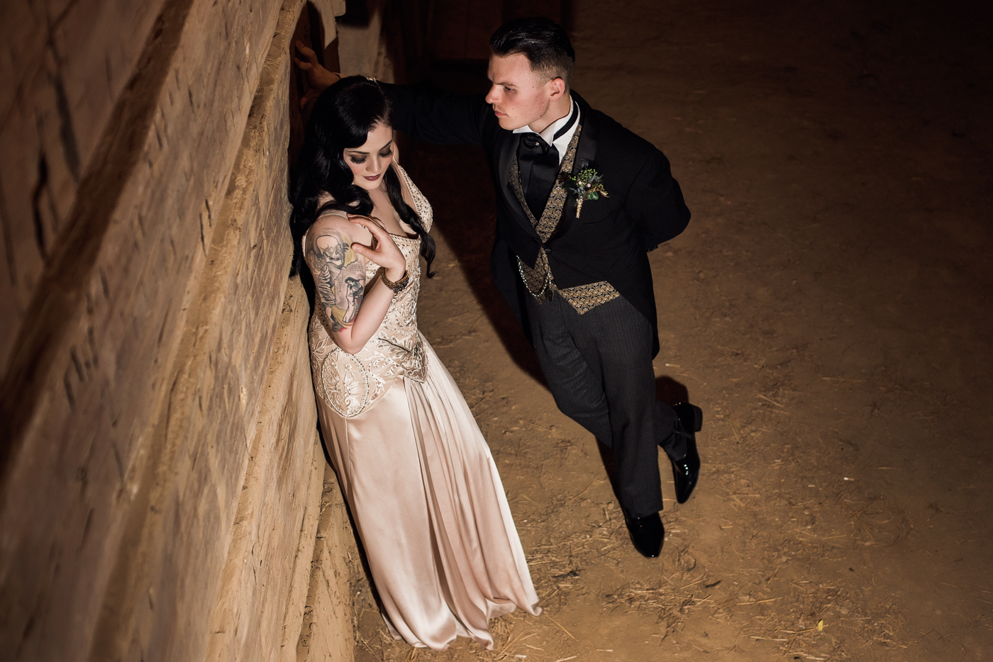 and-how-imaging-gothic-inspired-styled-shoot-gothic-wedding-1920s-theme-wedding-1920s-inspired-styled-shoot-halloween-styled-shoot-gothic-inspired-wedding-58