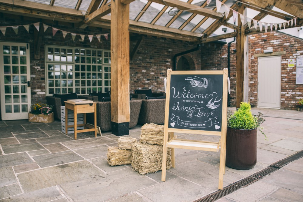 jess-yarwood-photography-country-wedding-rustic-wedding-vintage-inspired-wedding-charnock-farm-charnock-farm-wedding-diy-wedding-homemade-wedding-5