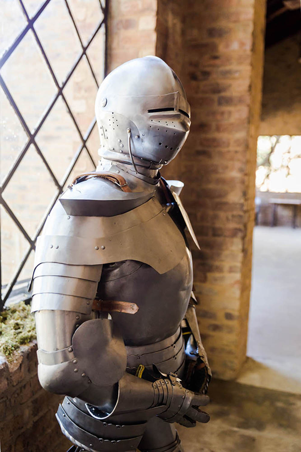 medieval-themed-wedding-medieval-wedding-dgr-photography-castle-wedding-13