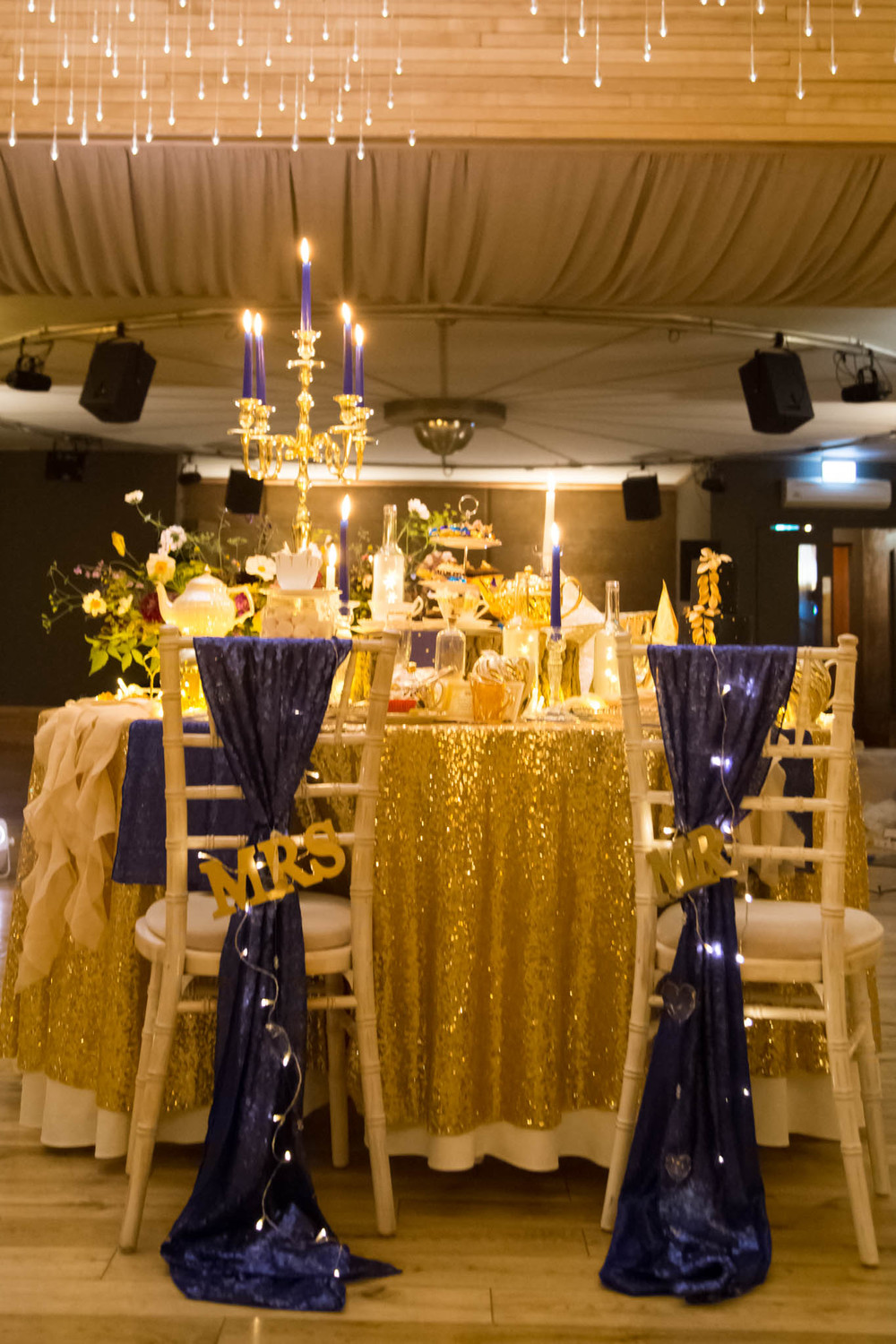 starry-night-themed-wedding-starry-night-themed-shoot-navy-and-gold-wedding-palette-laura-grace-photography-92