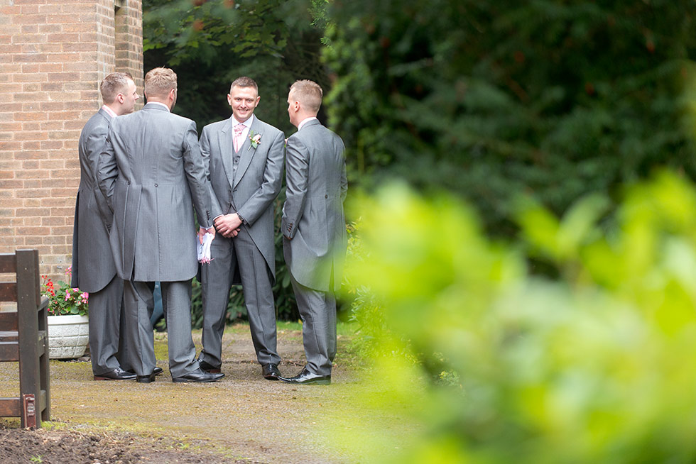 derbyshire-wedding-dusky-pink-and-silver-wedding-palette-autumn-wedding-matt-selby-photography-8
