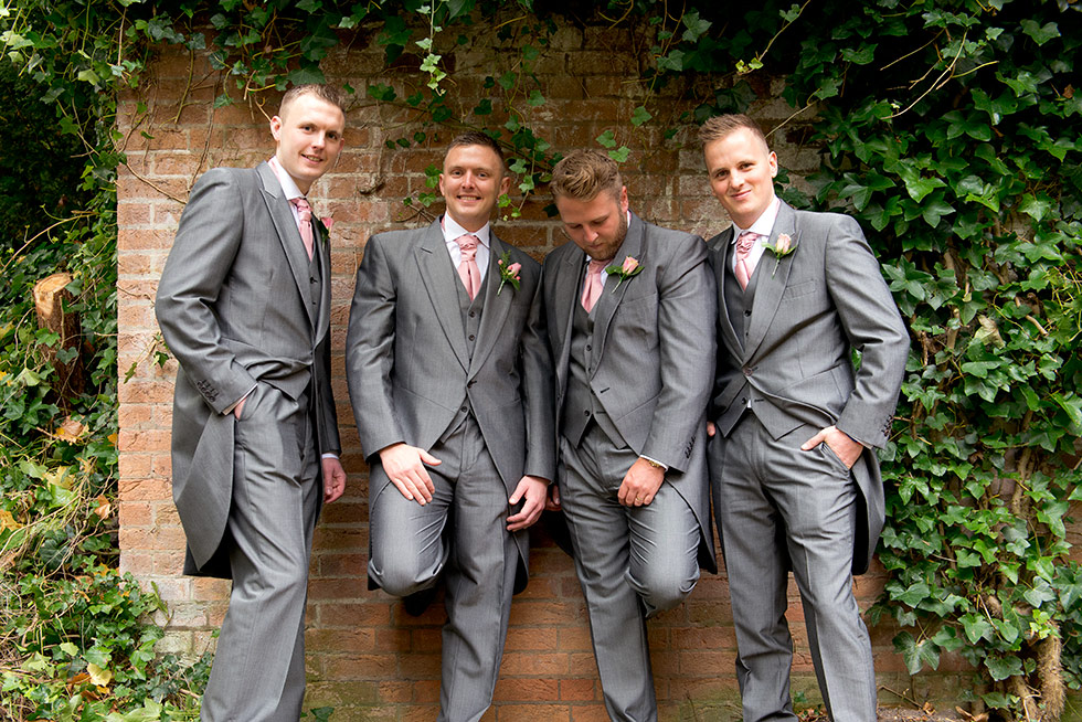 derbyshire-wedding-dusky-pink-and-silver-wedding-palette-autumn-wedding-matt-selby-photography-9
