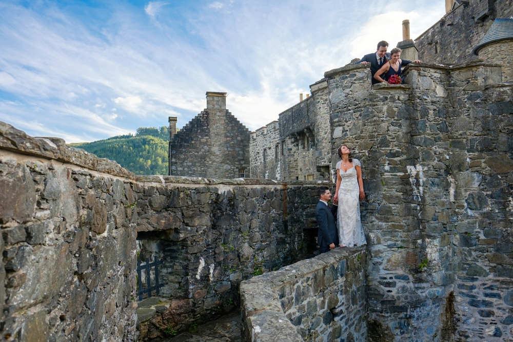 A stunning scottish highlands wedding at eilean donan for Scottish highland castle house plans