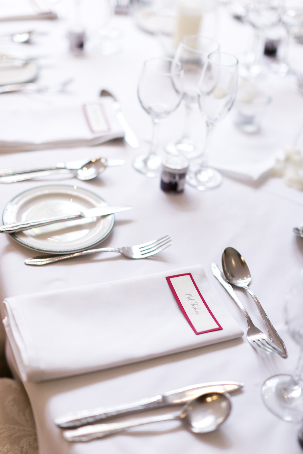 red-and-white-wedding-lancashire-wedding-gibbon-bridge-hotel-in-preston-winter-wedding-jam-table-names-hannah-k-photography-40