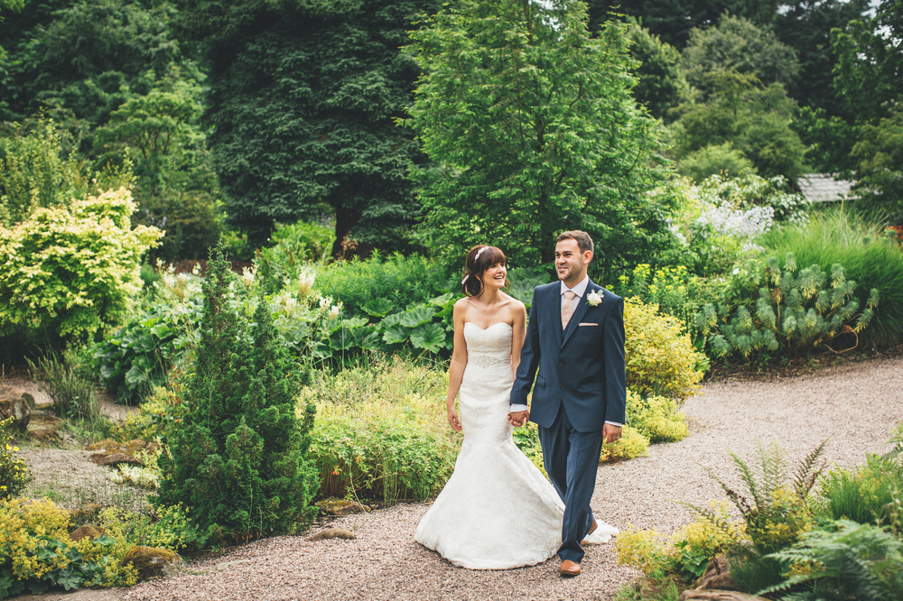 A Gorgeous Garden Wedding On The Wirral With A Stella York