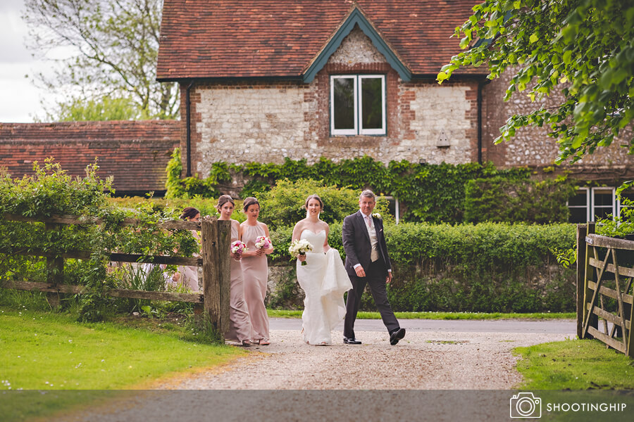 Vintage Wedding Dresses Hampshire: A Suzanne Neville Dress For A Hampshire Barn Wedding With