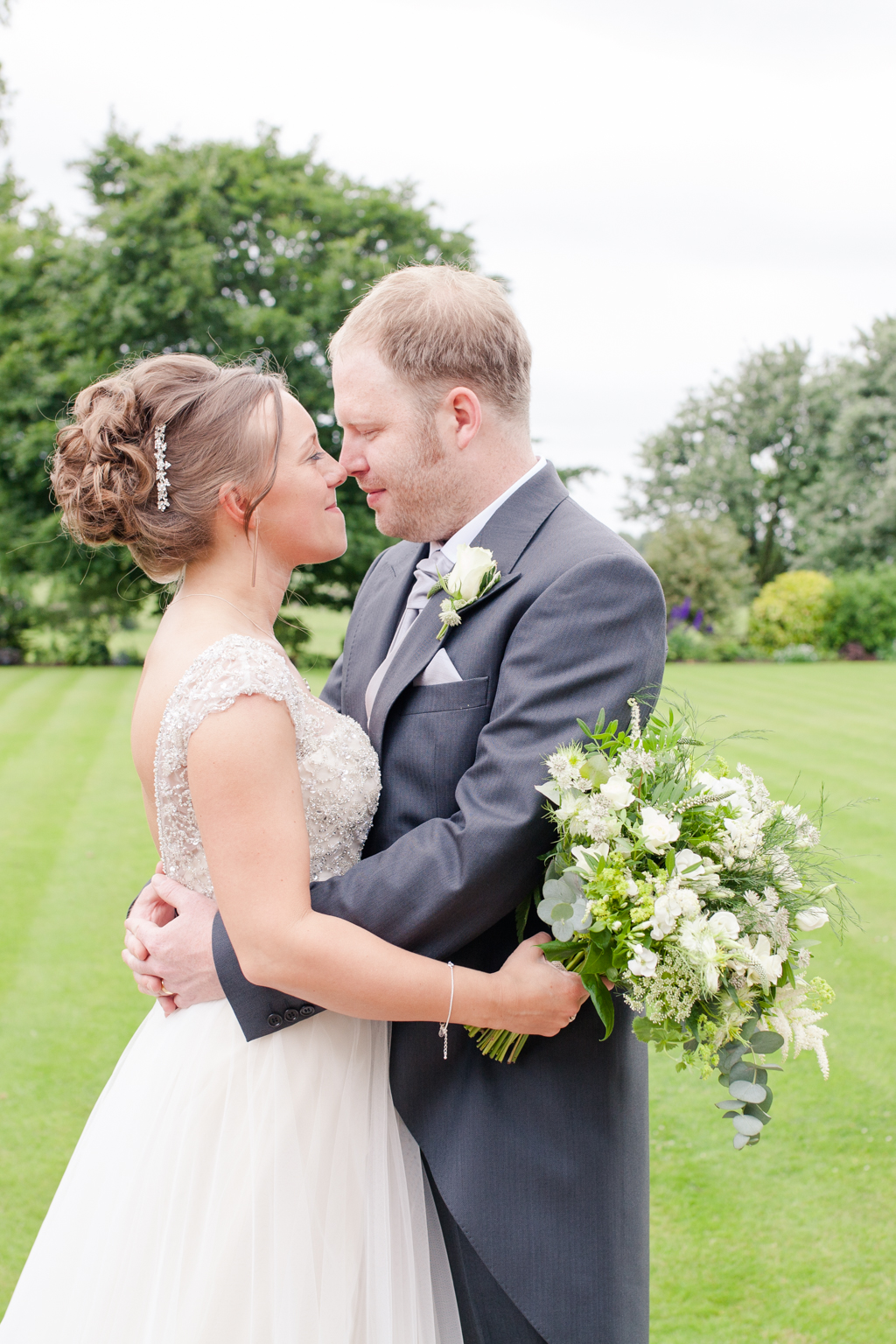 A gorgeous Yorkshire Manor House Wedding with copper, ivory and ...