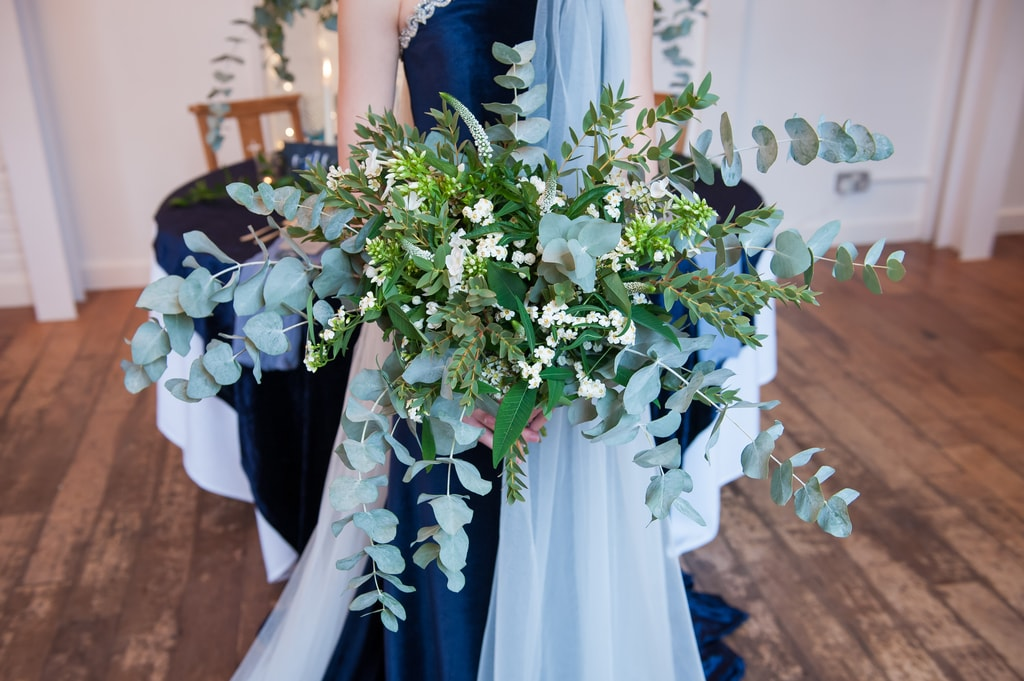 celestial inspired wedding , Gwenda Jeffs , Bohotanical, oversized bridal bouquet
