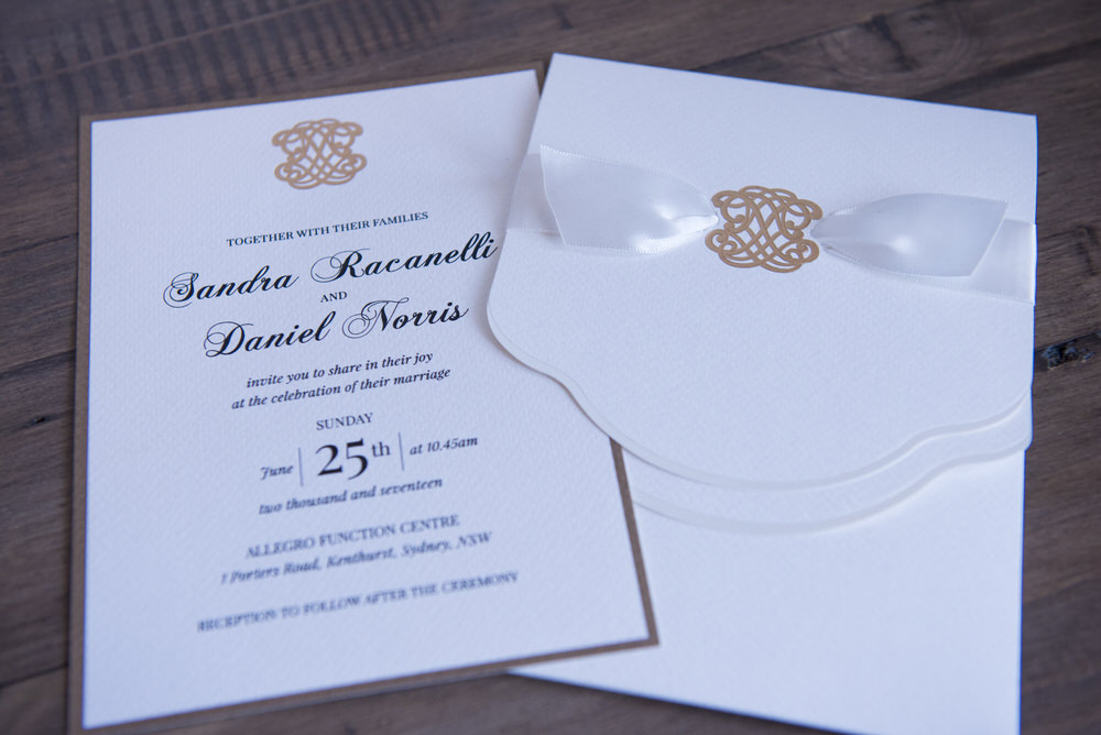 A beautiful relaxed lunchtime wedding in the Sydney Hills with a ...